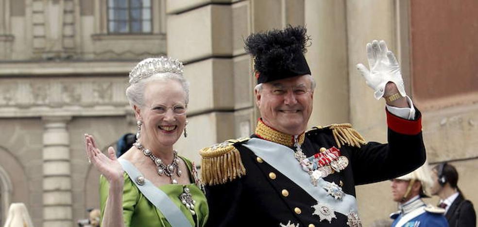 El marido de la reina danesa no quiere ser enterrado con ella