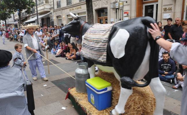 La vaca de Troya irrumpe en el paseíllo