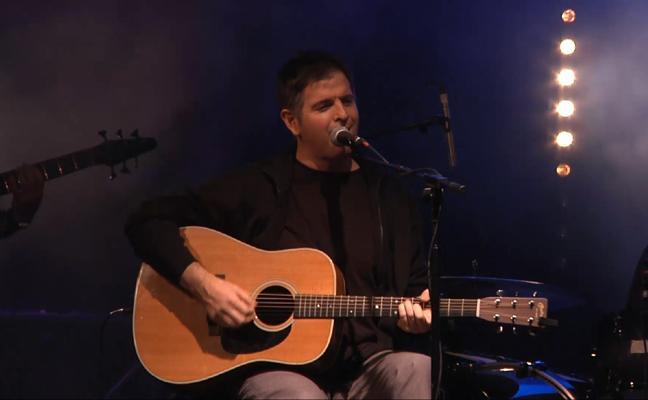 Mikel Urdangarin canta a Alberto Zerain