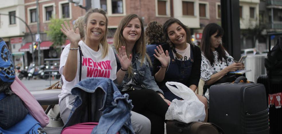 Los bilbaínos que se marchan: «¿En Bélgica no habrá turismofobia, no?»