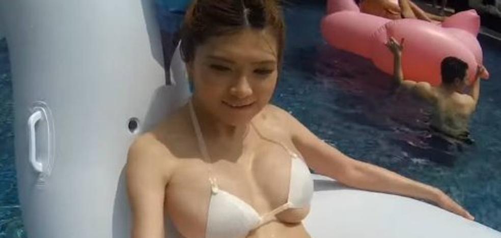 Crea un bikini con una impresora 3D y lo pone a prueba