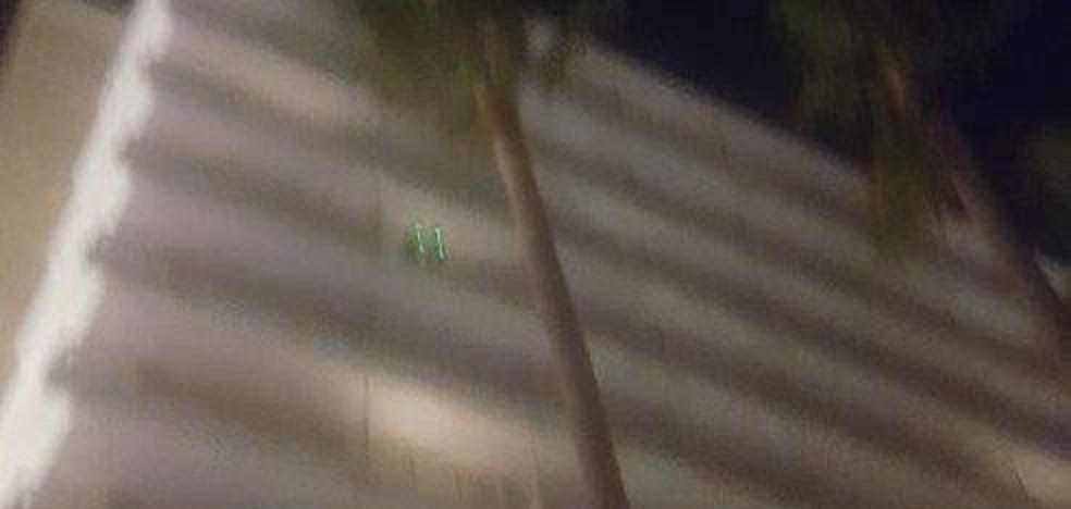 Dos identificados por deslumbrar a varios pilotos cuando aterrizaban en Málaga