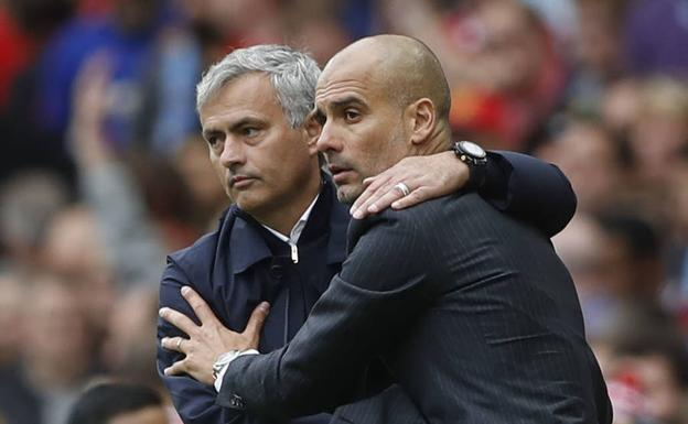 Mourinho y Guardiola./Reuters