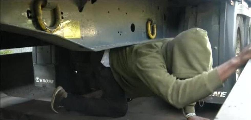 La Policía alemana localiza a varios inmigrantes viajando debajo de los trenes