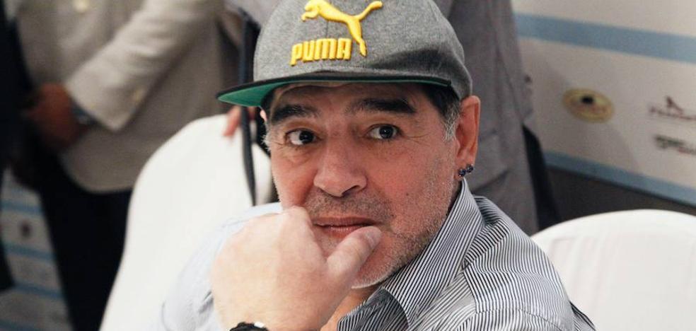 Maradona se ofrece de «soldado» a Nicolás Maduro