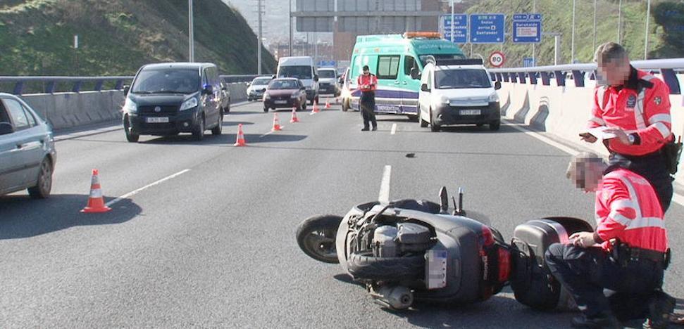 Uno de cada tres conductores fallecidos en las carreteras vascas es motorista