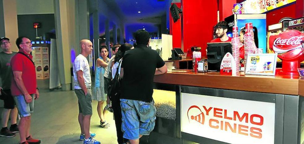 Los cines Yelmo de Vitoria estrenan hoy una nueva sala con 98 butacas