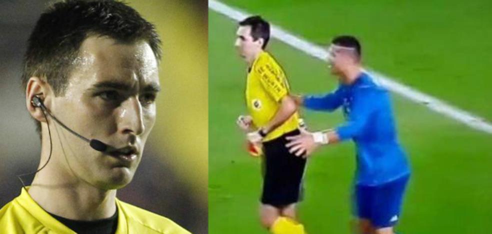 El árbitro bilbaíno al que empujó Ronaldo tras la tarjeta roja