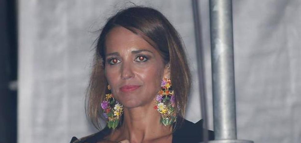 Bustamante dedica una de las canciones a sus «princesas» ante Paula Echevarría y su hija