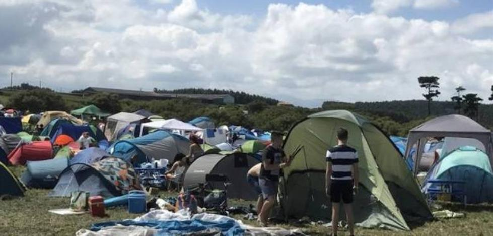Asistentes del Delirium denuncian que el festival de Ajo ha sido «una estafa»