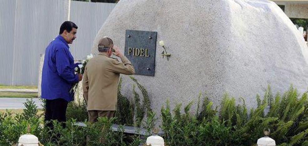 Maduro visita Cuba por sorpresa para rendir homenaje a Castro