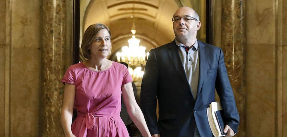 Los independentistas catalanes retrasan su enfrentamiento con el Estado