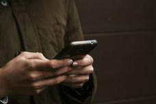Facua denuncia a once bancos por utilizar teléfonos 901 y 902 para la atención al cliente