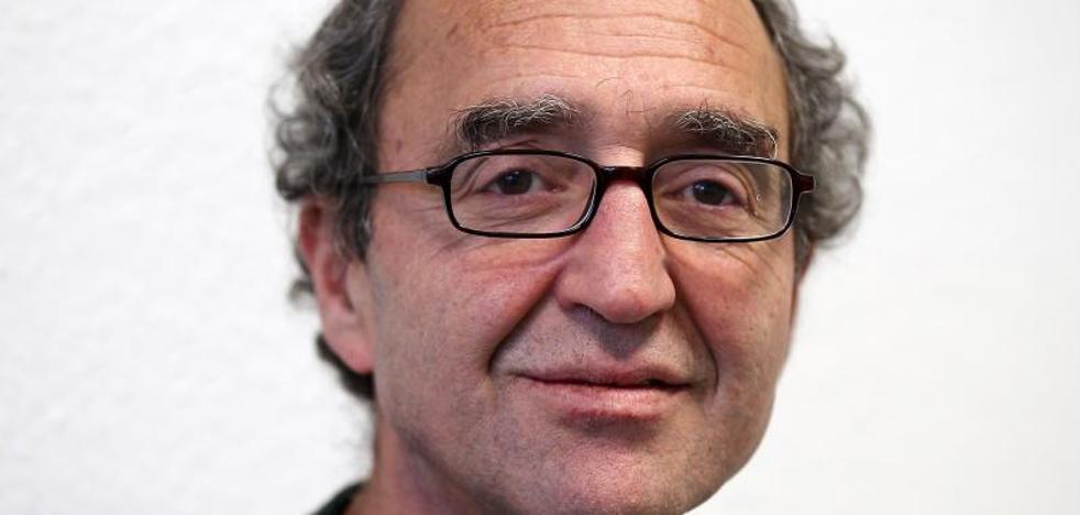 Ponen en libertad al escritor Dogan Akhanli, reclamado por Turquía