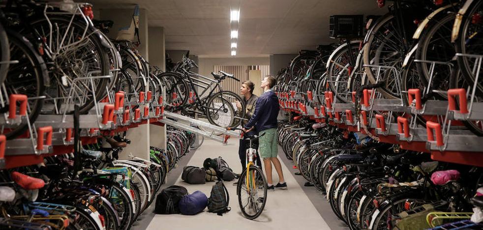 Holanda abrirá el parking de bicis más grande del mundo: 12.500 plazas