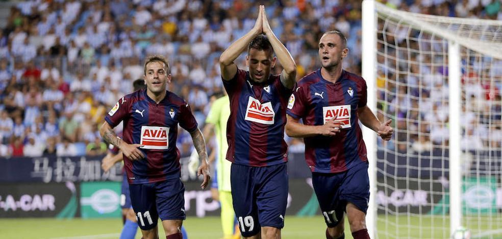 El Eibar asalta La Rosaleda ante un rival inoperante en ataque