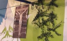 Las txosnas colocan el cartel del Jesús despiezado de Hontzak en señal de solidaridad