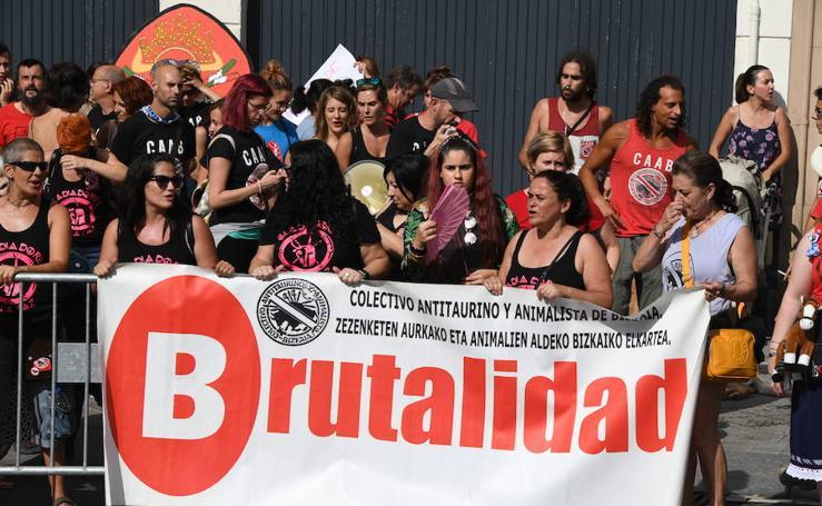 Manifestación de antitaurinos en Vista Alegre