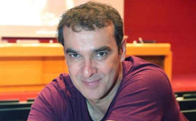 Luis Merlo: «Espero mantener otros treinta años el amor de Bilbao, una ciudad que adoro»