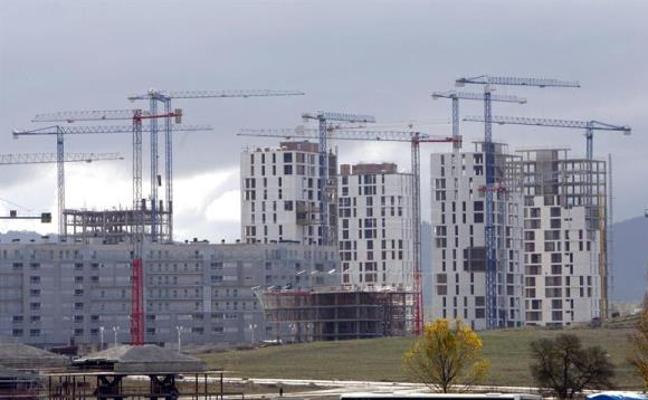 La firma de hipotecas sobre viviendas acelera su avance