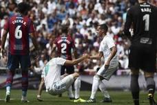 Benzema, al menos un mes de baja por una lesión muscular