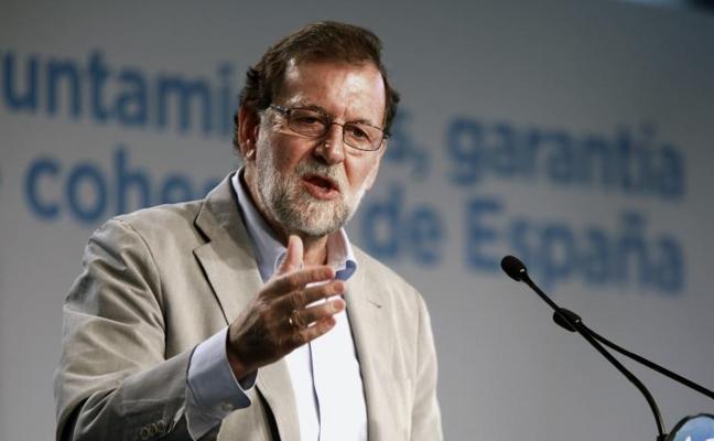 Rajoy muestra todo su apoyo a los alcaldes a los que Puigdemont interpeló ayer