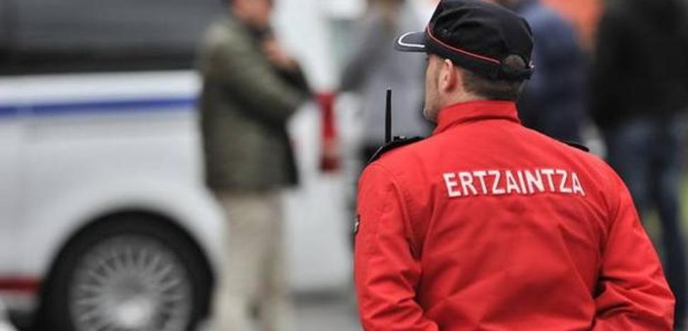 Secuestran durante varias horas a un joven en Irún por una deuda de 3.000 euros