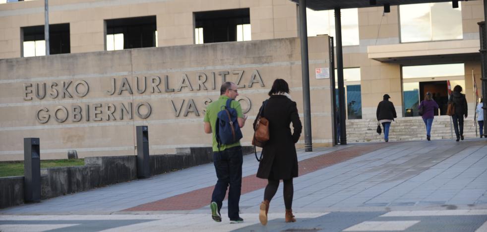 La subida salarial del 1% a los funcionarios del Gobierno vasco se hará efectiva este mes