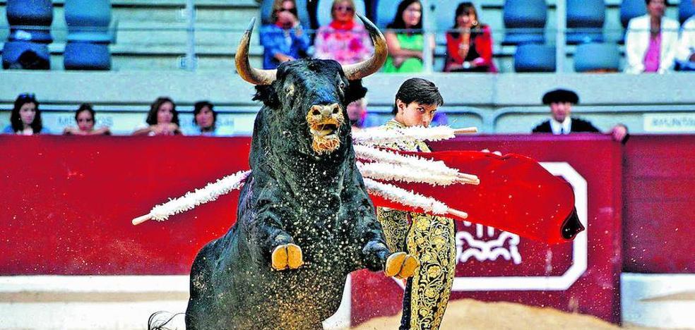 Urtaran abre la puerta a que haya toros en La Blanca al contemplar un concurso para la feria
