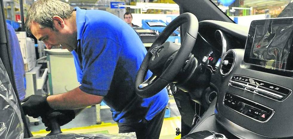 El acuerdo en Mercedes garantiza que el empleo eventual en la fábrica no superará el 20%