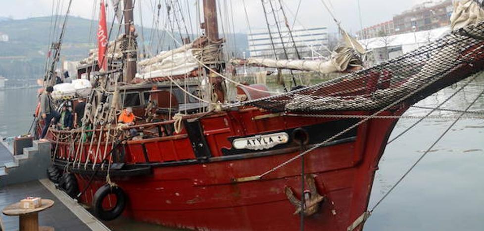 'Atyla' regresa a Lekeitio para exhibir los usos de la navegación a vela