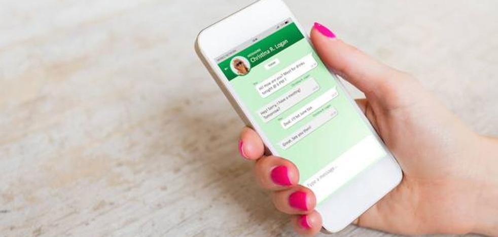 El truco para pasar las notas de voz de WhatsApp a texto sin tener que oírlas