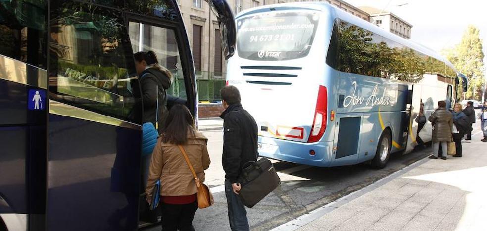 La asociación Altube elimina su parada en Murgia y deja sin transporte a universitarios