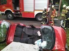 Herida una conductora al salirse de la calzada su coche en Orozko