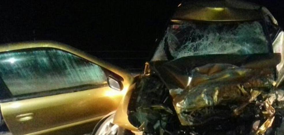 Dos muertos en Salvatierra al chocar un coche contra otro que circulaba en sentido contrario