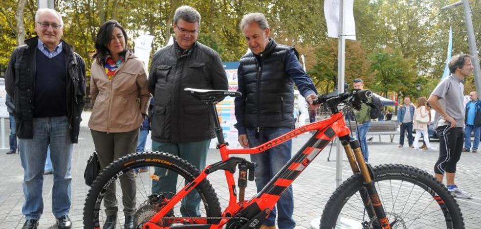 Bilbao prueba las bicis eléctricas que sacará a las calles en 2018