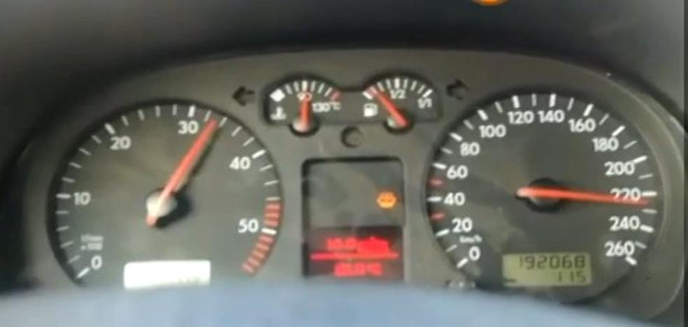 Conduce a 260 kilómetros en una vía limitada a 70 y se graba con el móvil en Valencia