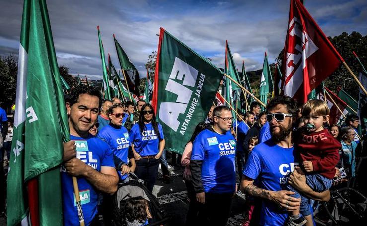 Protesta por la defensa de CEL en Las Encartaciones