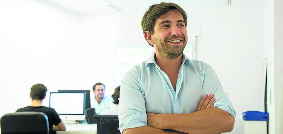 Una 'startup' vizcaína crea una plataforma 'online' para contratar reclamos publicitarios 'offline'