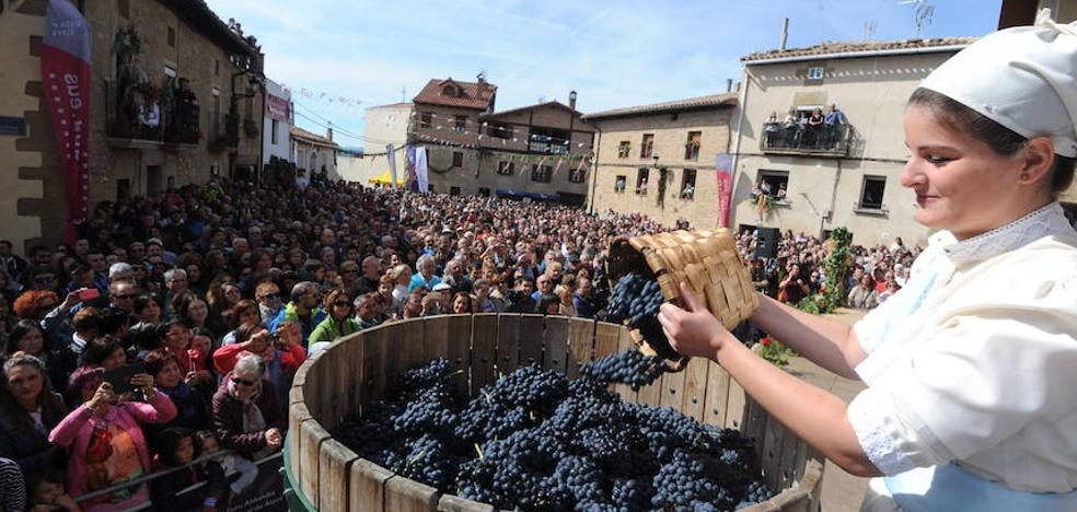 Miles de personas celebran la Fiesta de la Vendimia en Yécora