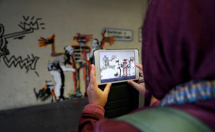 Banksy homenajea a Basquiat con nuevos murales en Londres