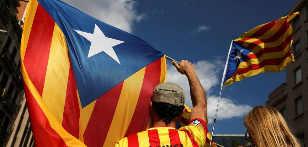 200 profesores universitarios de todo el país firman un manifiesto contra el referéndum catalán