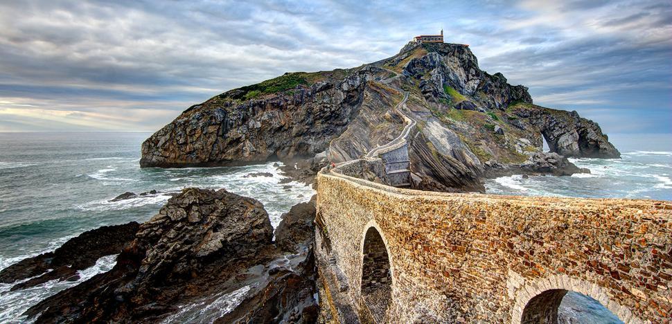 San Juan de Gaztelugatxe aspira a ser la mejor localización de cine europeo de la década