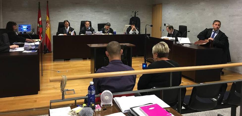 Piden 7 años y medio para la acusada de estafar un millón de euros a una viuda en Bilbao
