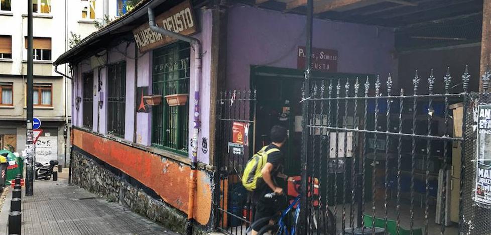 El Ayuntamiento planea construir un bloque de viviendas de VPO en el gaztetxe de Deusto