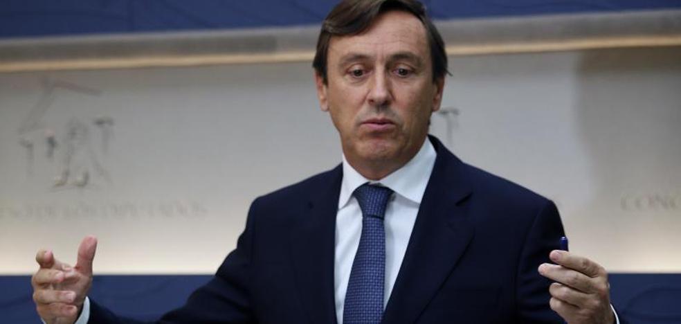 El PP responsabiliza a Puigdemont del «acoso» a concejales en Cataluña