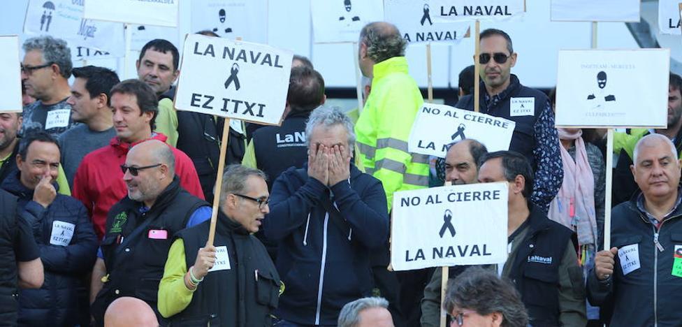 Los trabajadores de La Naval protestan ante la sede de Ingeteam