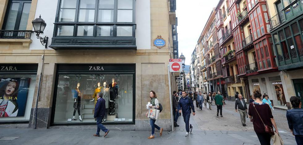 Zara cierra en el Casco Viejo de Bilbao la tienda con la que llegó a Euskadi