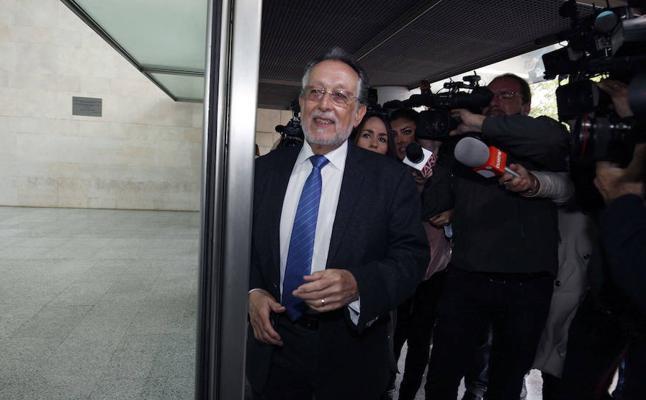 El juez imputa a Alfonso Grau y a la tesorera nacional del PP por financiación ilegal en Valencia