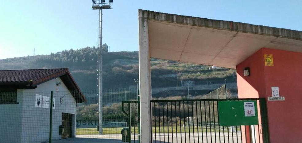 El bar del campo de fútbol de Montefuerte abre en octubre tras casi dos años cerrado